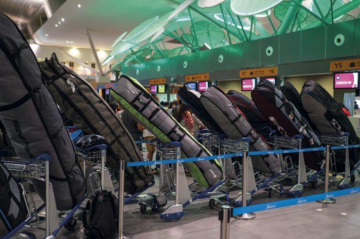 Boardbags et compagnies aériennes, comment éviter les mauvaises surprises...