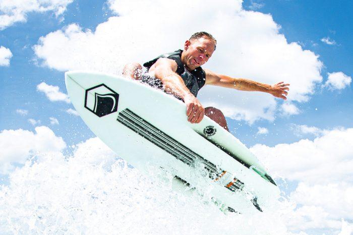 Joindre le fun à l'indispensable, avec les wakesurfs Liquid Force 2020 !